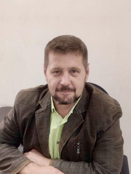Директор автосервиса Гребенников Игорь Владимирович